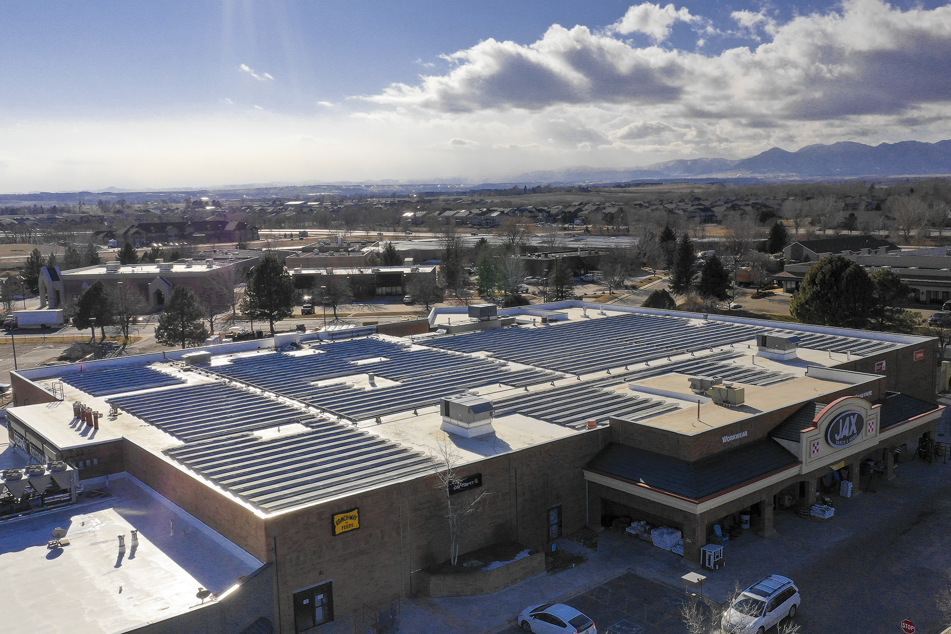 lafayette colorado rooftop solar rocky mountains in background